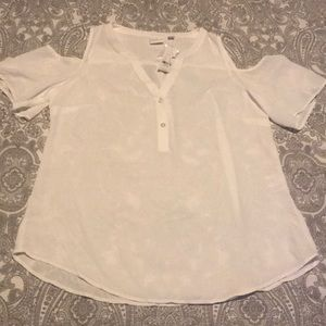 Women's white cold shoulder blouse NWT Medium